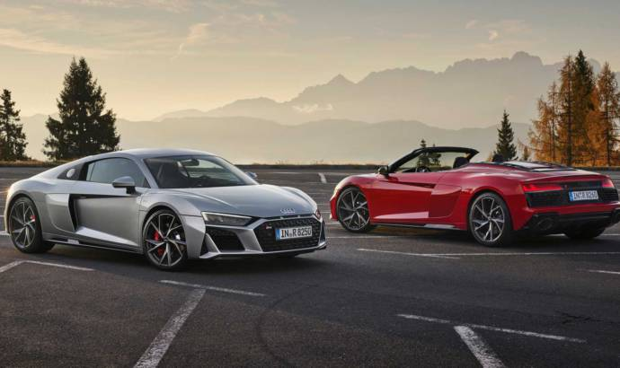 This is the 2020 Audi R8 V10 RWD