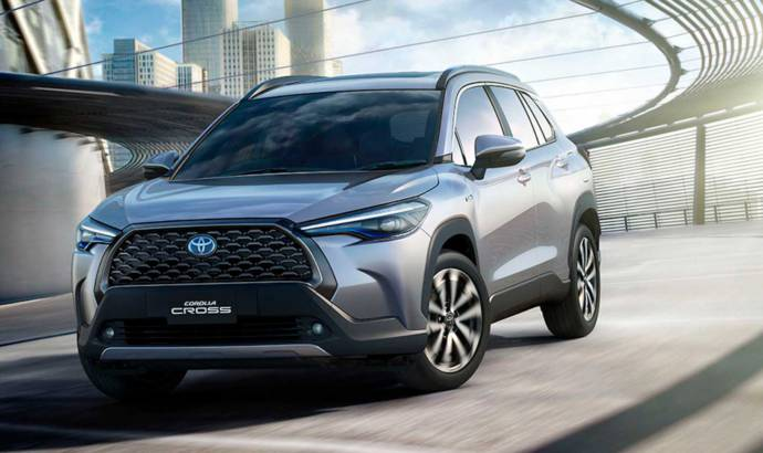 2021 toyota corolla cross arrives in thailand   carsession