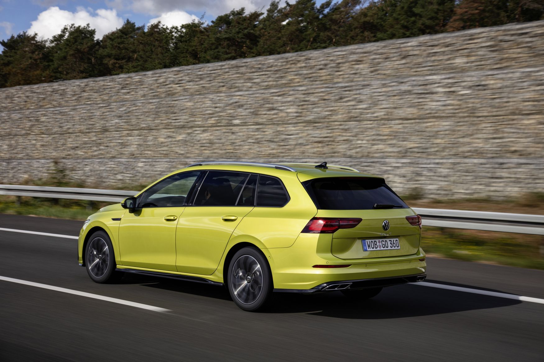 2020 Volkswagen Golf Estate Reaches Uk Showrooms Carsession